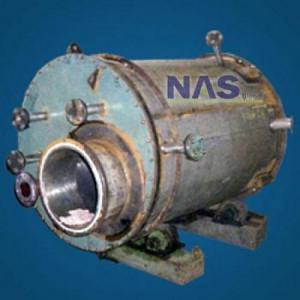 Reator cladeado em titânio